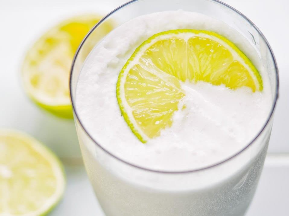 شیر نارگیل و لیمو