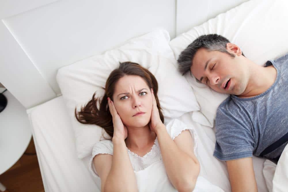 حرف زدن در خواب