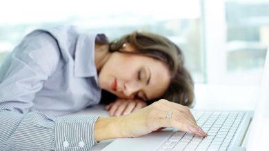 تصویر از سندرم خستگی مزمن چیست؟ علت، علائم و درمان سندرم خستگی مزمن