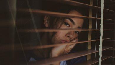 تصویر از چرا همیشه بی حوصله ام؟ چطور از شر بی حوصلگی خلاص شوم؟