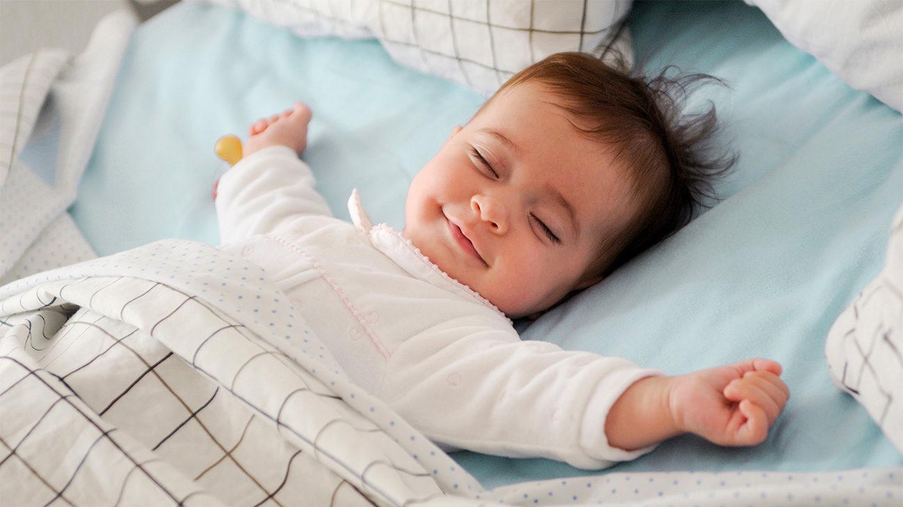 خنده کودک و نوزاد در خواب