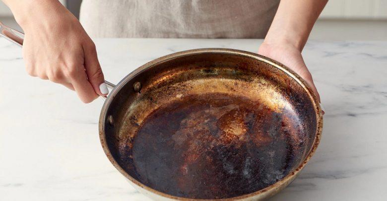 چگونه ظرف سوخته را بشوییم