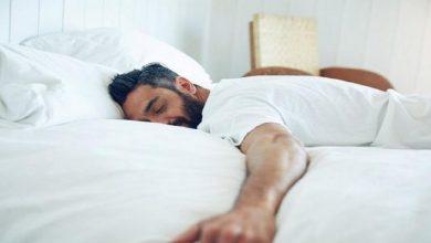 تصویر از علت خندیدن بزرگسالان و کودکان در خواب چیست؟