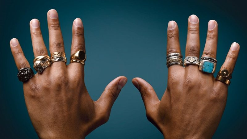 معنی انگشتر در هر انگشت