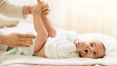 تصویر از علت ادرار نکردن نوزاد چیست؟ + روش های درمان