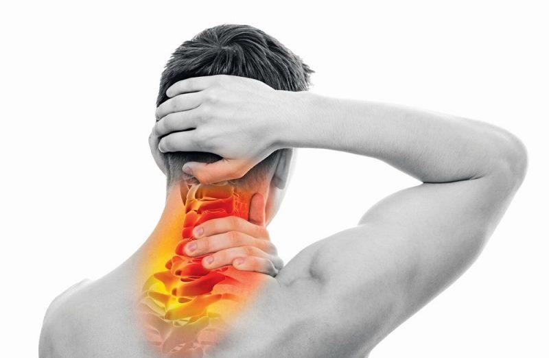 کشیدگی عضلات گردن