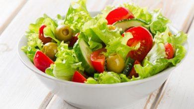 سالاد زیتون سبز با سبزیجات
