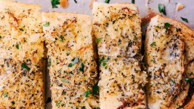 تصویر از طرز تهیه نان سیر و پنیر پارمزان