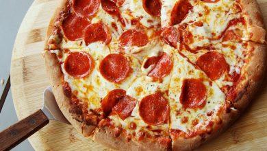 تصویر از طرز تهیه پیتزا ایتالیایی با پنیر موزارلا