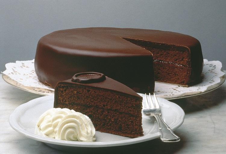 کیک شکلاتی تورته زاخا