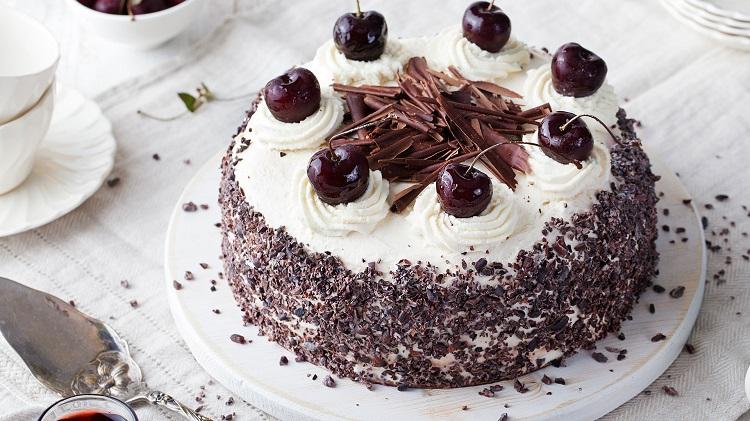 کیک جنگل سیاه آلمانی