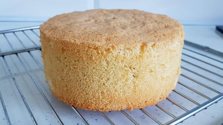 کیک اسفنجی بیسکویتی