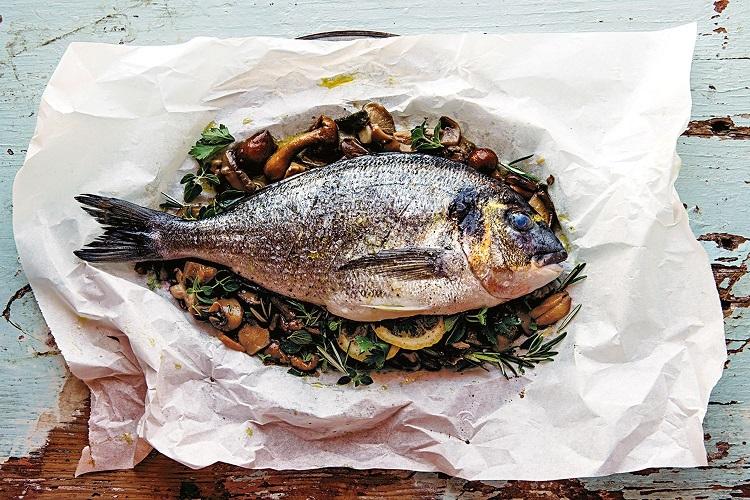 ماهی با قارچ و کاری کبابی