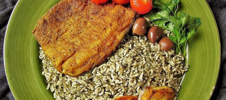 سبزی پلو با ماهی مجلسی