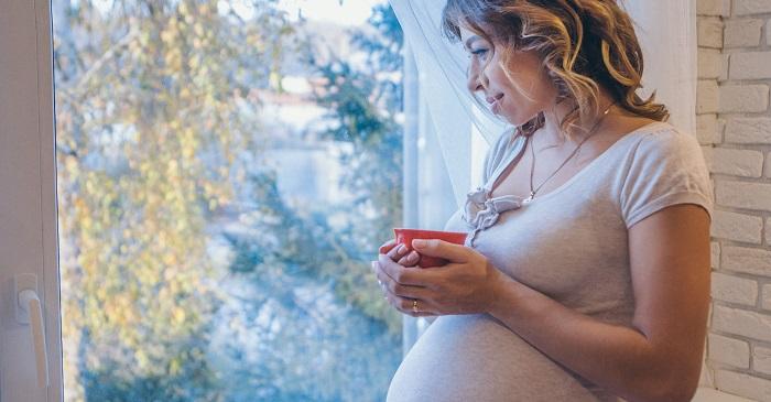 نوشیدنی های مفید و مضر برای زنان باردار