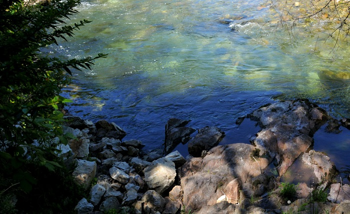 چشمههای آب گرم فیامبالا
