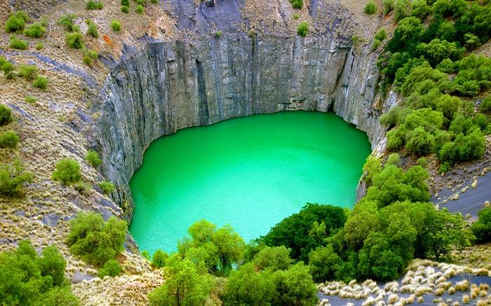 چاله بزرگ (The Big Hole) در آفریقای جنوبی
