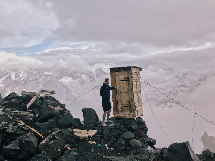 بدترین توالت جهان: کوه البروس، روسیه