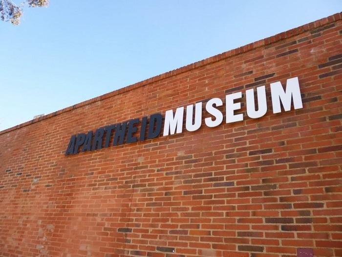 موزه آپارتاید (Apartheid) در آفریقای جنوبی