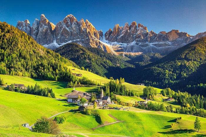 رشته کوه دولومیت (Dolomites) در کشور ایتالیا