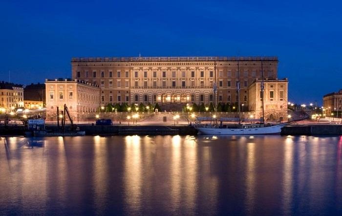 کاخ سلطنتی (The Royal Palace)