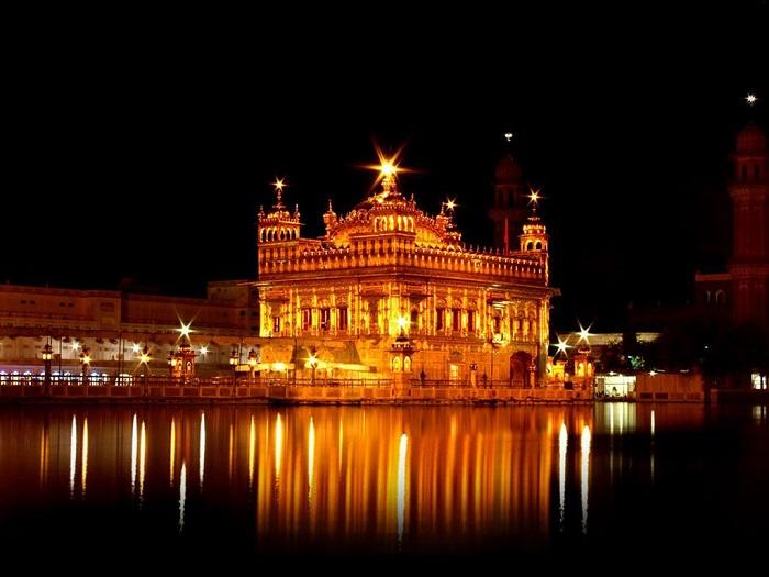 معبد طلایی (Golden Temple) در هند