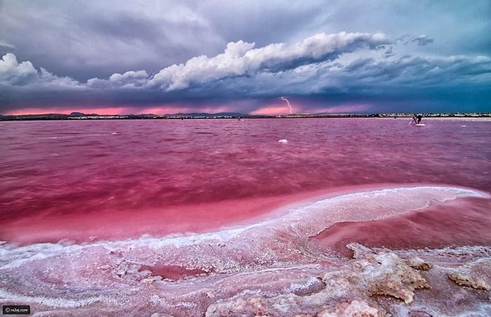 دریاچه هیلیر (Hillier) در استرالیا