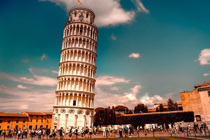 برج کج پیزا (Pisa) در کشور ایتالیا