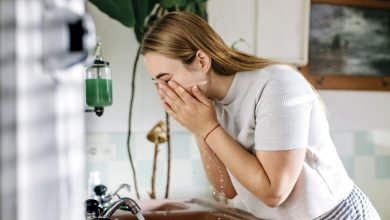 کاهش چربی پوست صورت