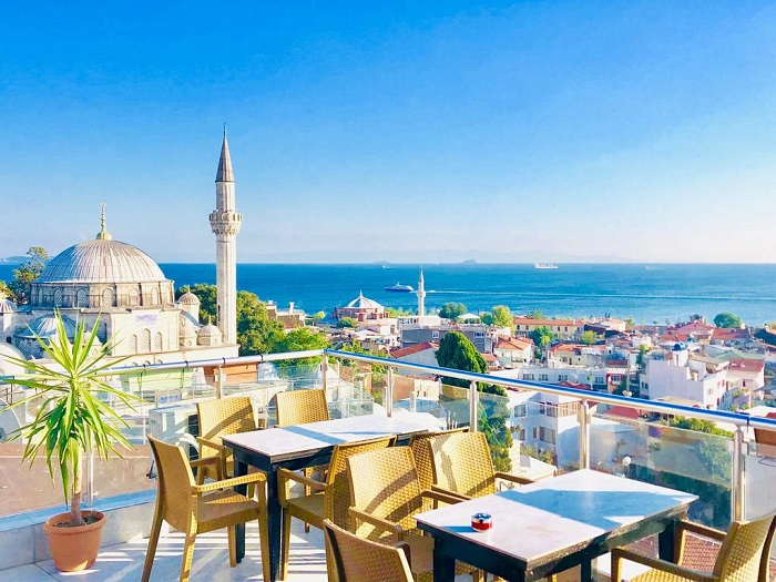 بندر استانبول (Istanbul) در کشور ترکیه