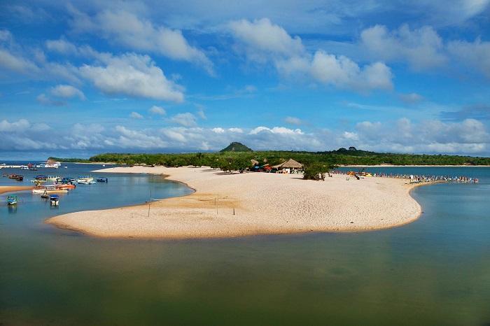 ساحل آلتر دو چائو (Alter do Chão) در برزیل