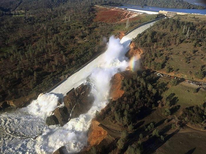 سد اوروویل (Oroville) در کشور آمریکا