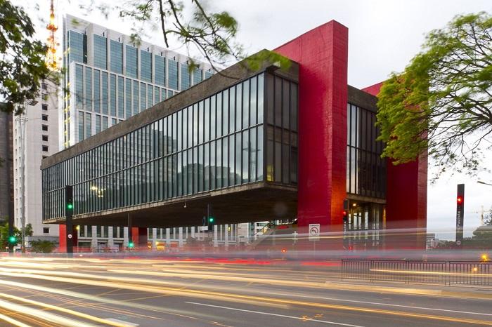موزه هنر سائو پائولو (MASP) در کشور برزیل