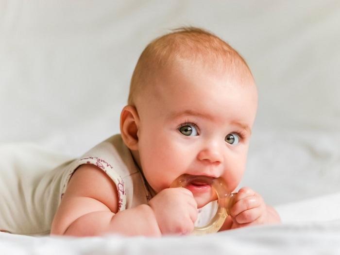 کاهش درد دندان درآوردن نوزاد