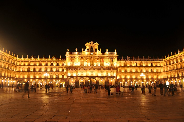 میدان اصلی سالامانکا (plaza mayor salamanca) در کشور اسپانیا