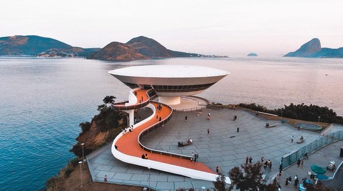 موزه هنرهای معاصر نیتروئی (Niterói)
