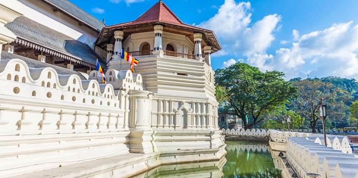 معبد دندان (Tooth) در کشور سریلانکا