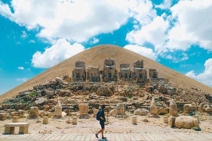 کوه نمرود (Nemrut) در کشور ترکیه