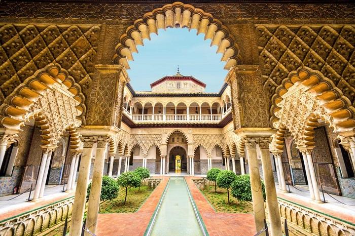 کاخ پادشاهی آلکازار (Alcázar) در کشور اسپانیا