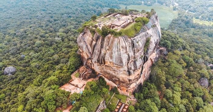 قلعه صخره ای Sigiriya در کشور سریلانکا