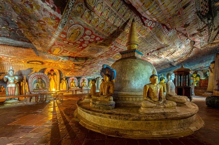 معبد غار دامبولا (Dambulla) در کشور سریلانکا