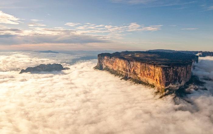 کوه رورایما در کشور برزیل