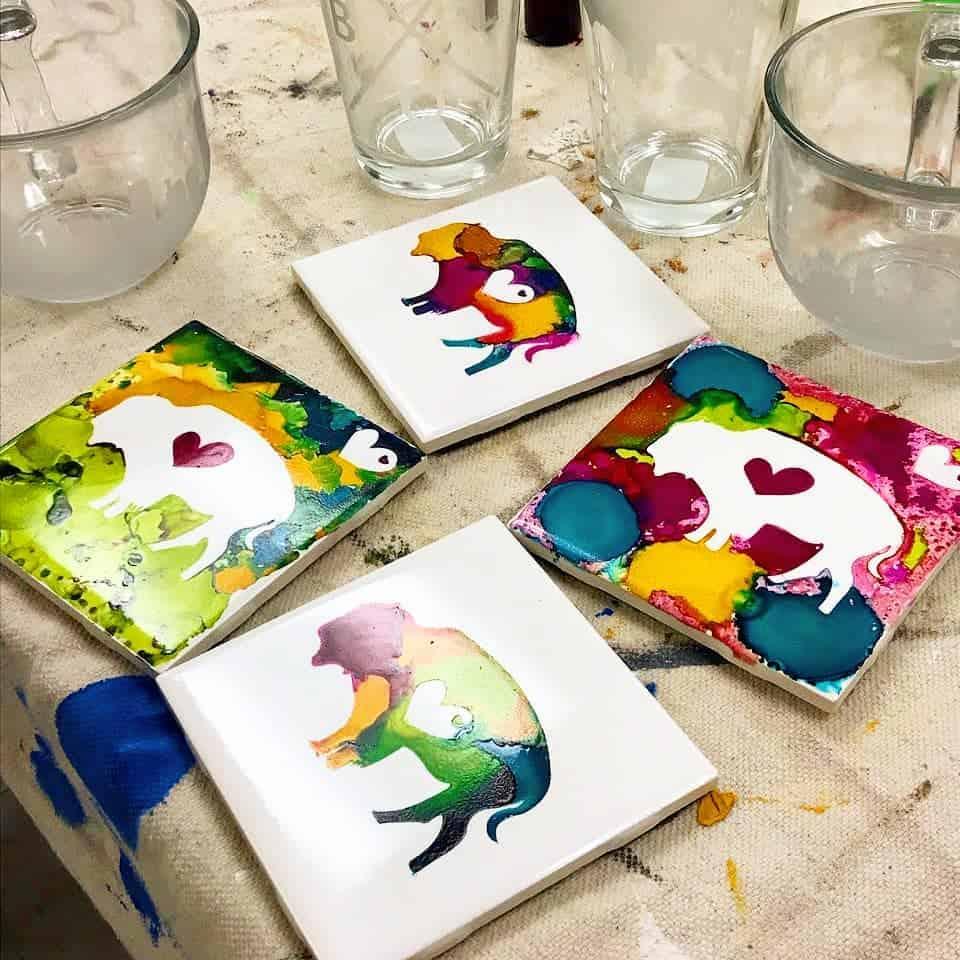 ایده زیر لیوانی کاشی نقاشی شده با تصویر گاو