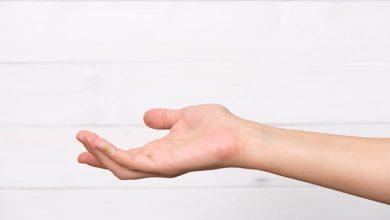 پوسته پوسته شدن انگشتان دست